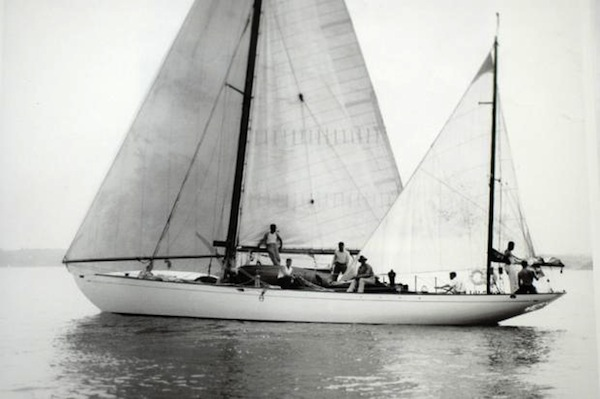Dorade shortly after winning the 1931 Trans-Atlantic race (Beken of Cowes)