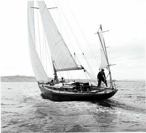 Chichester-sailing-Gipsy-Moth-III-c1960