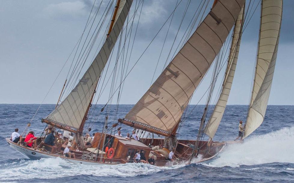 Thendara Classic Yacht Info