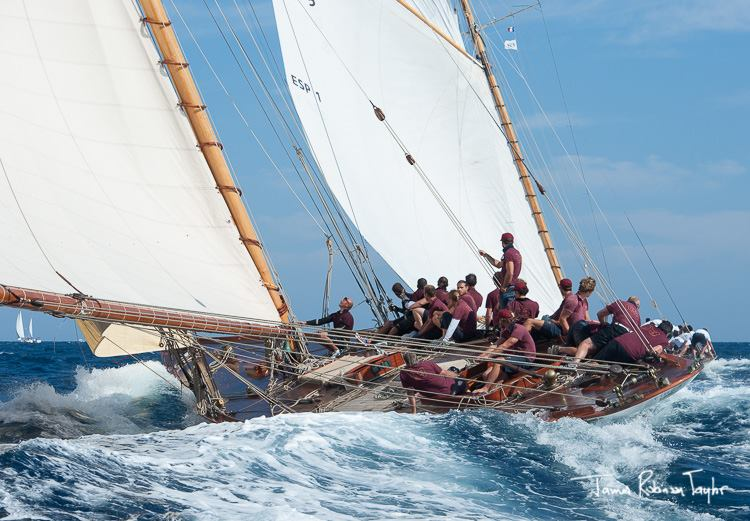 Classic Yacht regattas - Tuiga & Hispania at Les Voies D'Antibes - James Robinson Taylor
